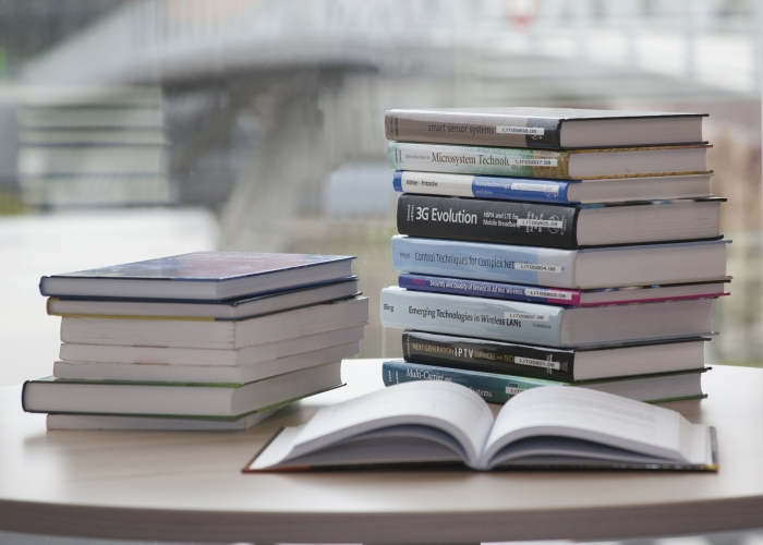 book-168824_1920