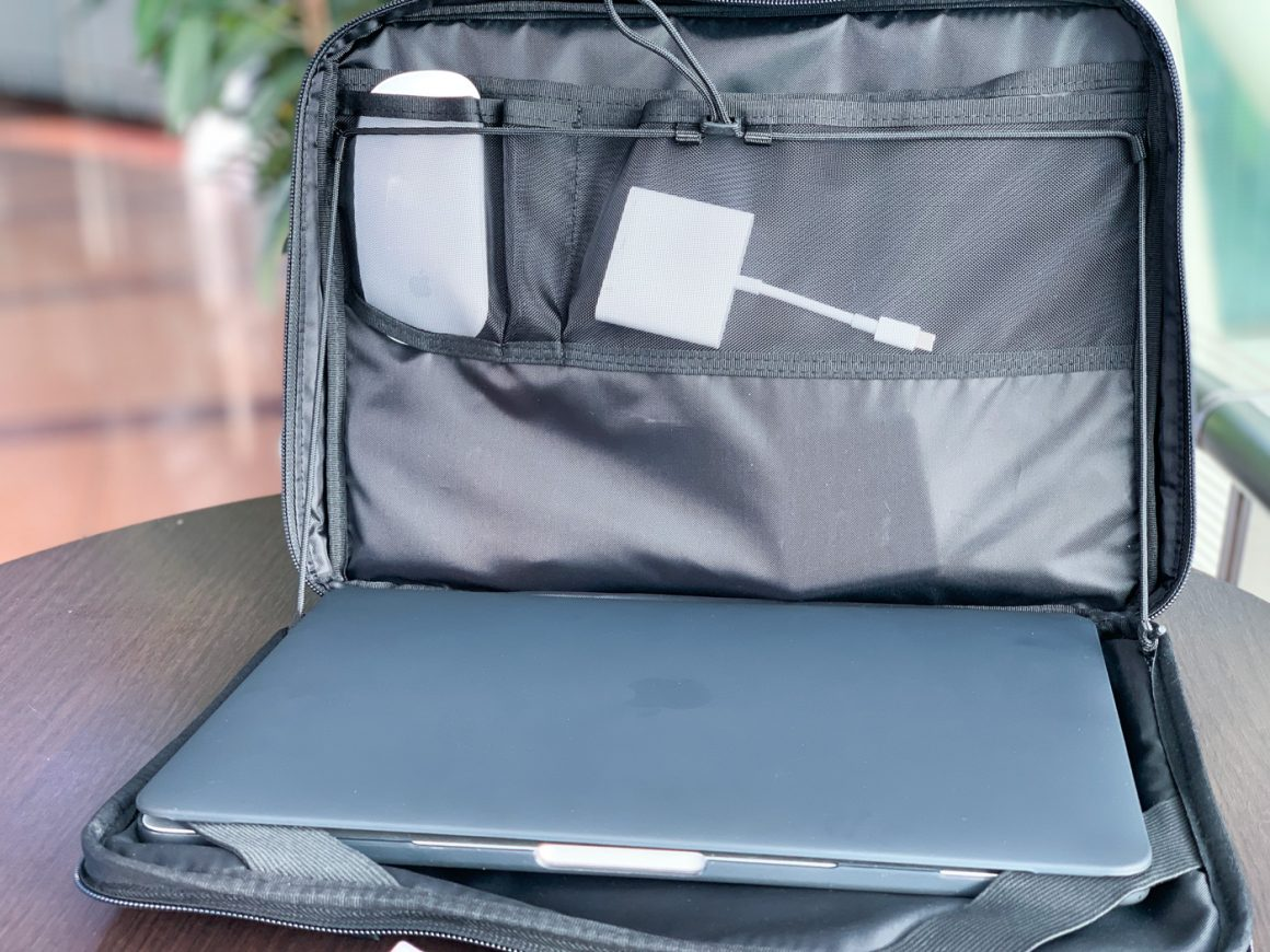 13インチのMacに丁度いいサイズ感のケース